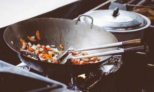 Des cuissons sans tracasseries avec la mijoteuse électrique